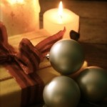 present-and-candles-1255913-m